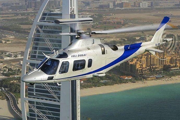 Tour aéreo por Dubái.