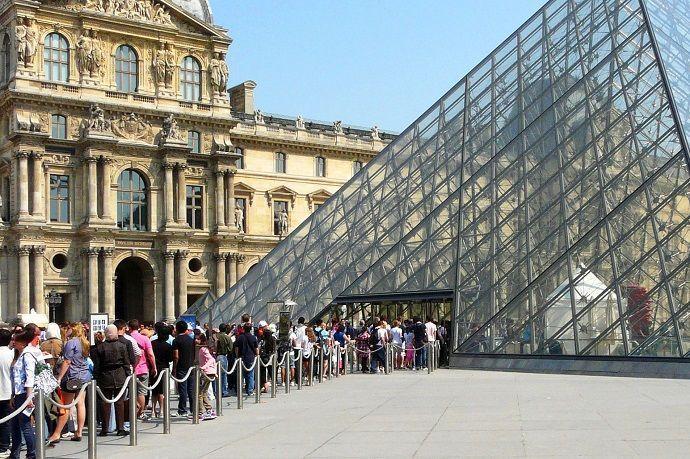 Guía turístico por el Museo del Louvre