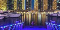 Crucero en barco por Dubái Marina.
