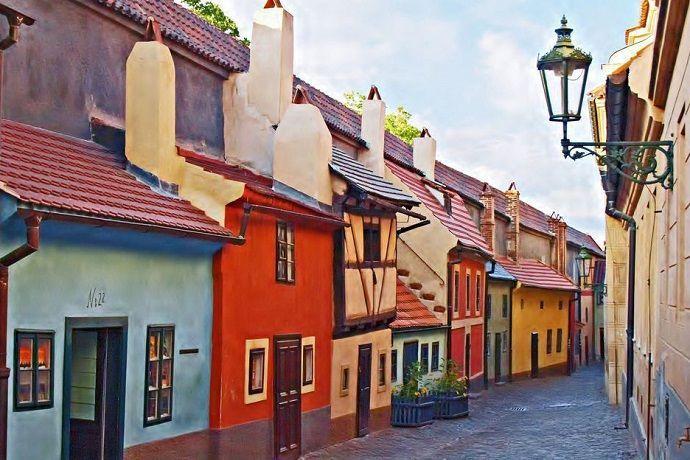 Callejón del oro. Turismo en Praga.