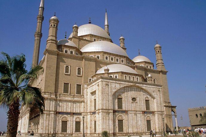 Guía turístico por El Cairo.