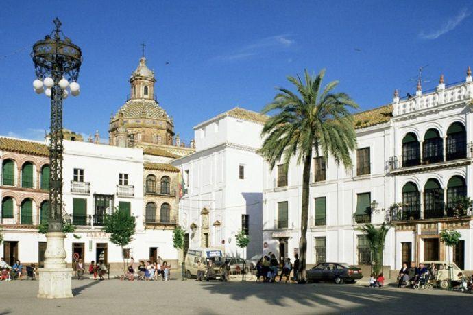 Plaza de San Fernando. Excursión desde Carmona.