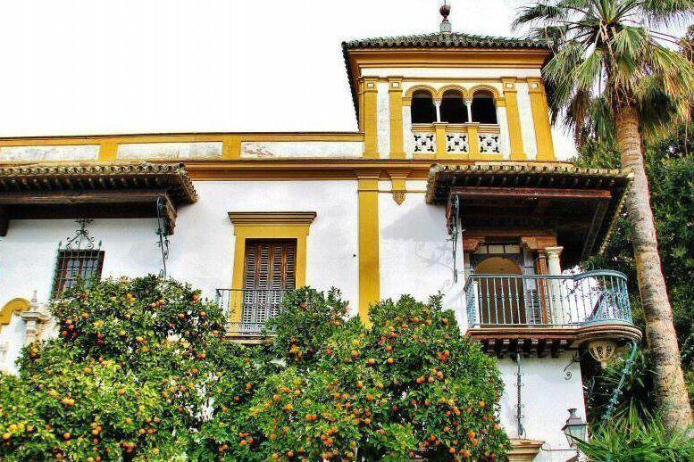 Turismo en el barrio de Santa Cruz