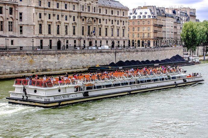 Crucero en barco por París