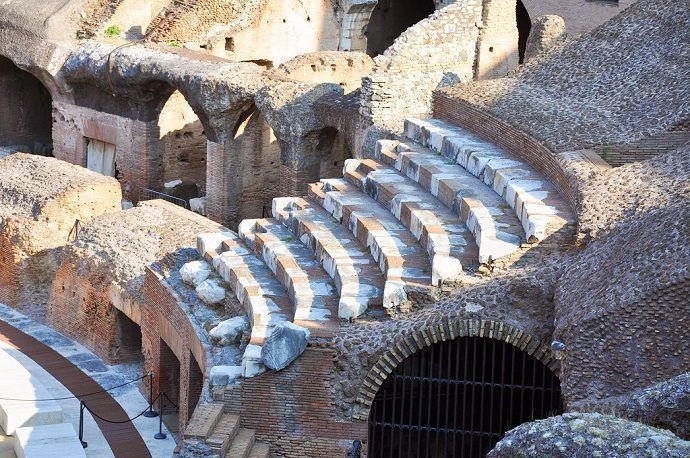 Coliseo de Roma por dentro