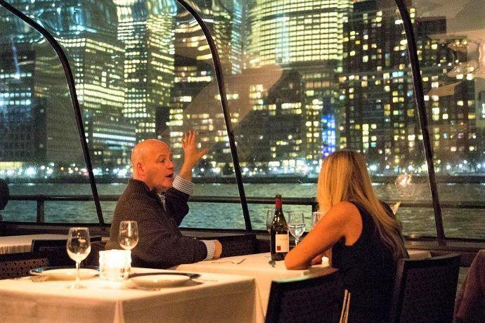 Paseo Barco Nueva York cena